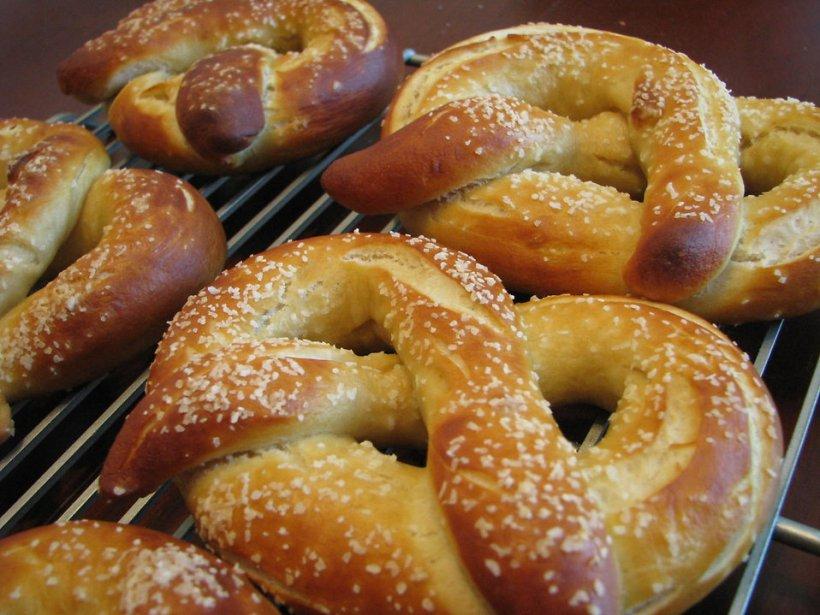 17700-soft-pretzels-pv